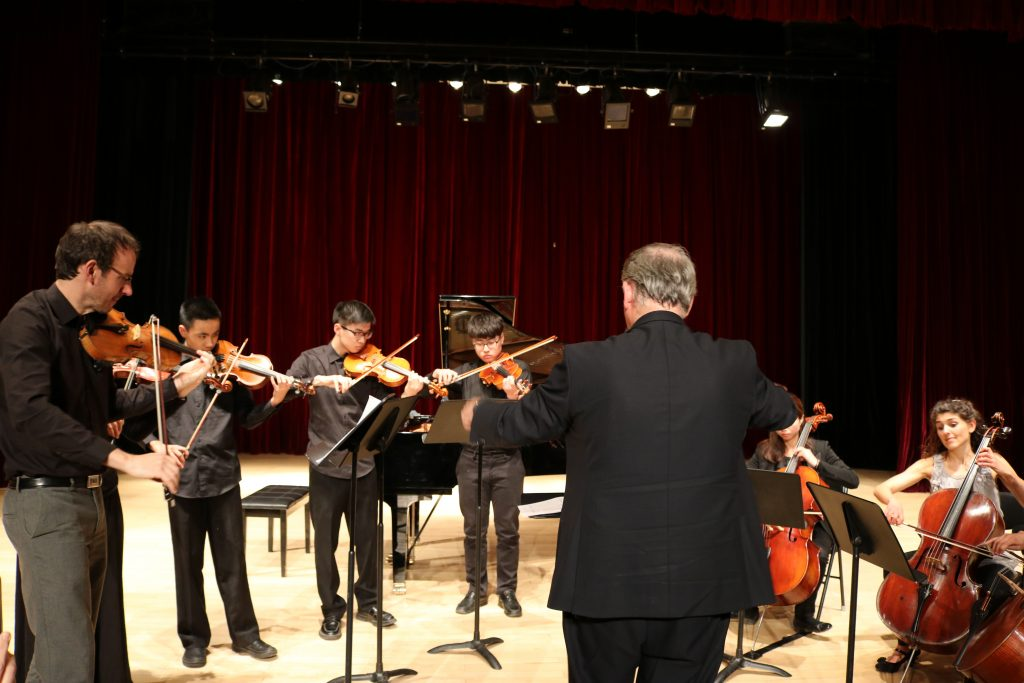Carducci Trio playing with DCB Chamber Orchestra